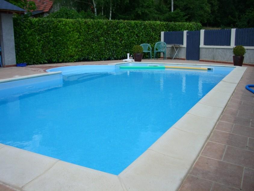 Chez tullat vakantiehuis met zwembad in de auvergne frankrijk - Fotos van het zwembad ...